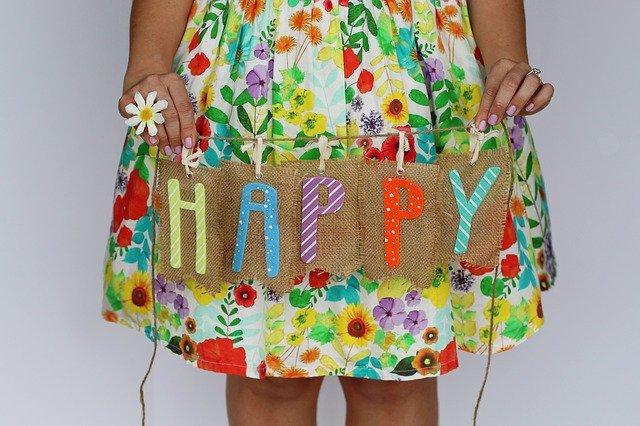 HAPPYの文字
