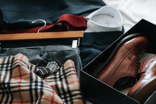 スーツ、時計、靴