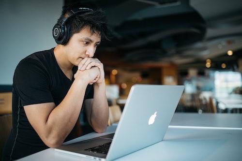 パソコン男性